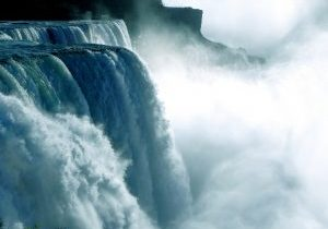 Photo of Niagra Falls.